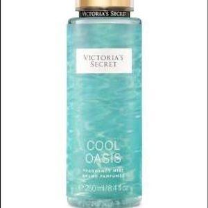 💜2/$25 FULL SIZE VICTORIAS SECRET Cool Oasis Mist